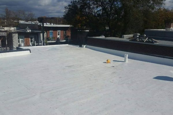 toit blanc, membrane TPO, réfection complète, garantie RedShied,écologique, toit plat de qualité, soumission 100% gratuite, Polyoléfine thermoplastique, drain crépine, évent, parapets