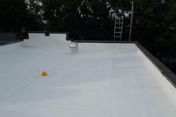 toit blanc résidentiel, membrane TPO, réfection complète, garantie RedShied,écologique, toit plat de qualité, soumission 100% gratuite, Polyoléfine thermoplastique, joint de toiture parapets , drain, col de cygne